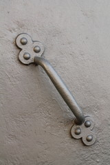 стальная дверная ручка