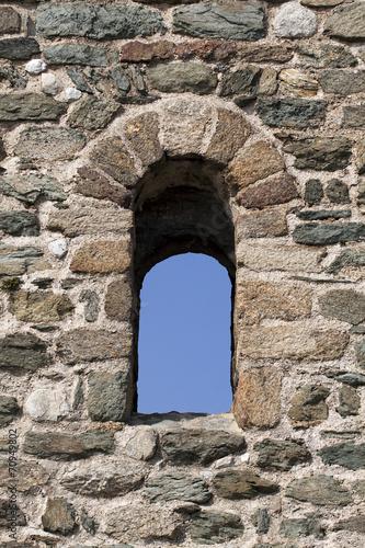 Old castle window - 70949802