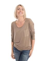 Portrait: schöne lachende Frau mit 45 freigestellt