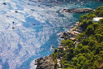 Malownicza Marina Piccola na wyspie Capri we Włoszech