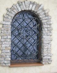 window framed coquina