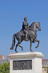 Henry IV statue