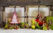 Weihnachtskarte: Dekoration Weihnachtsfenster in grün und rot