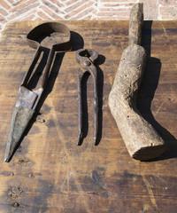 Vecchi attrezzi di lavoro artigiano