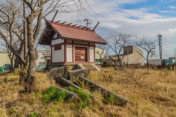 冬の石巻市の神社の社殿