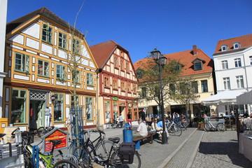 Auf dem Neuen Markt in Waren (Müritz)