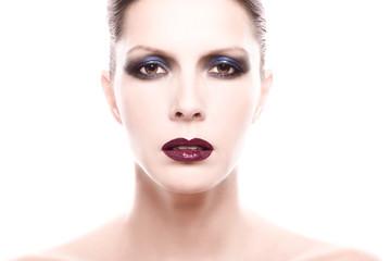 Portrait einer Frau mit starkem Make up
