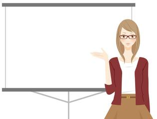 プロジェクターで説明をする女性 眼鏡