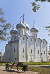 Вид на Софийский собор в Вологде от сквера Соборной горки