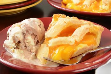 Peach pie and ice cream