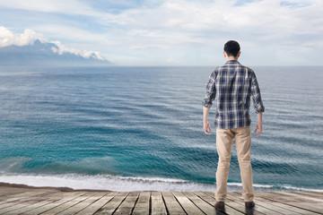looking the ocean