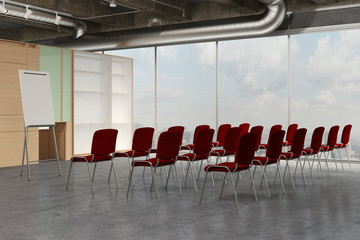 Leerer Seminarraum mit vielen Stühlen