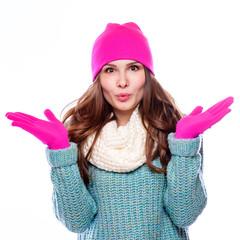 woman  wearing woolen accessories