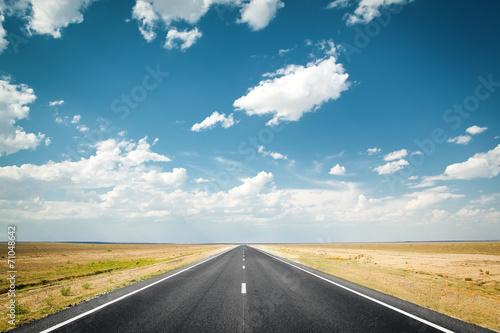 desert highway - 71048642
