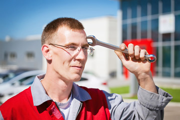 auto maintainance serviceman