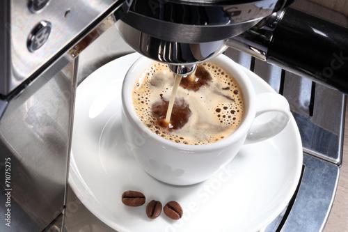 Leinwandbild Motiv Cafe aus der Maschine