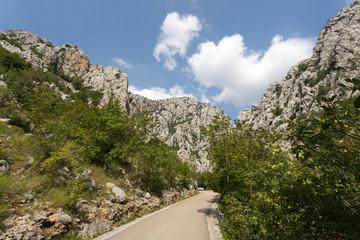 Route dans le canyon de Paklenica