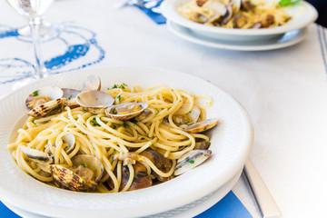 Spaghetti con vongole veraci