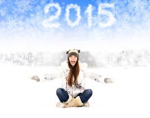 Девушка и снежинки
