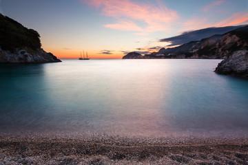 Bucht mit Schiff - Korfu