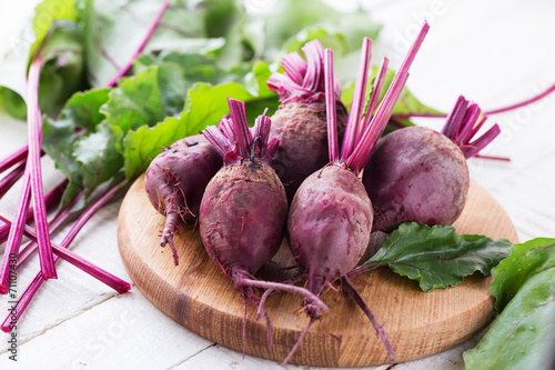 canvas print picture Fresh beetroots