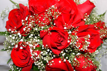 bouquet of red roses ..