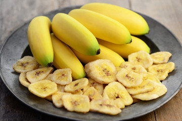 Bananenchips Teller
