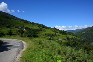 ブータンの峠道