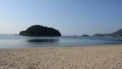 仙酔島から見える無人島