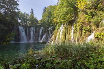 Cascades et chutes à Plitivice-Plitvicka