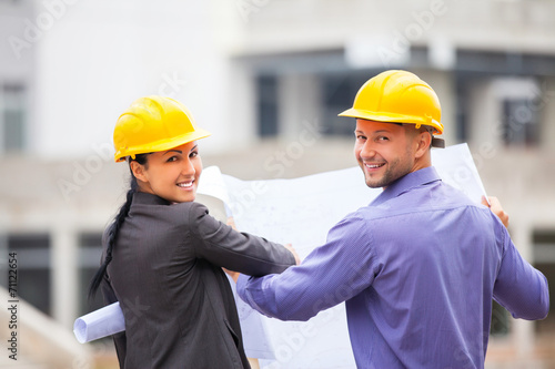 Construction manager  architect - 71122654