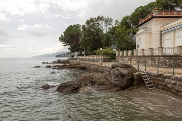 Quai, promenade et plage de Opatija