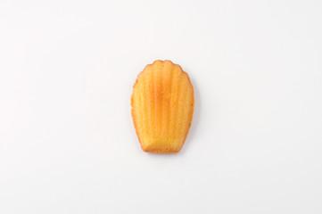 マドレーヌ フランスのお菓子 クローズアップ 白背景