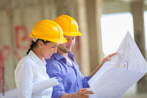 Construction manager  architect - 71138068
