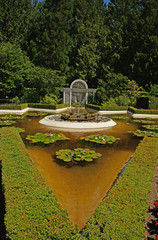 The artistic landscaping and symmetry of the garden