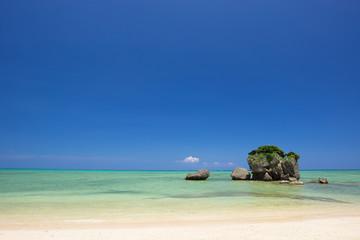 沖縄の海・親泊海岸