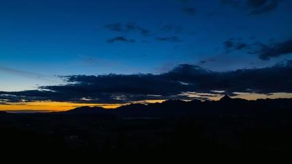 Zeitraffer vom Sonnenaufgang im Allgäu - Panorama