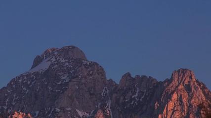 Zeitraffer Sonnenuntergang in den Alpen - Alpenglühen
