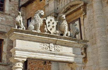 Antico pozzo a Montepulciano, Siena