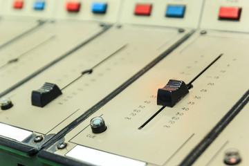 Old/vintage sound controller