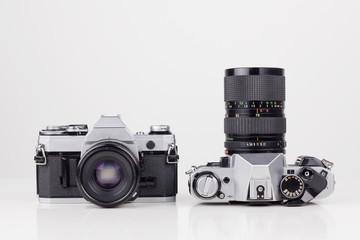 Zwei historische Kameras