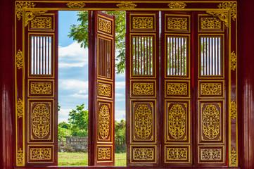Porte rosse nella Cittadella Imperiale di Huè, Vietnam