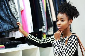 african girl shopping