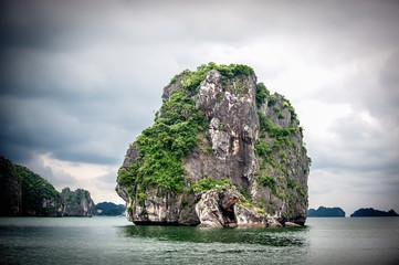Island in Halong Bau