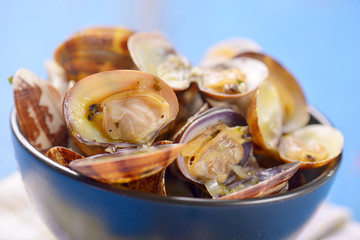 clams in tomato sauce