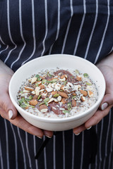superfood porridge with nuts