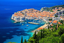"Постер, картина, фотообои ""A panoramic view of the walled city, Dubrovnik Croatia"""