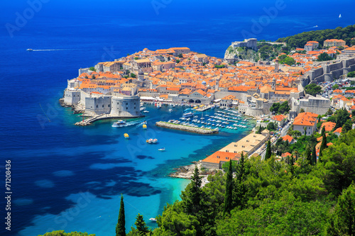 Fotobehang Oost Europa A panoramic view of the walled city, Dubrovnik Croatia