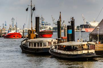Schiffe im Museumshafen Oevelgoenne Hamburg