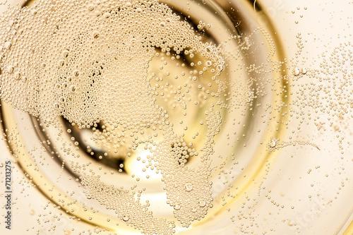 Deurstickers Alcohol Nahaufnahme von Champagner im Glas